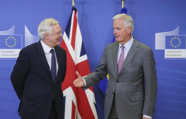 Arrancan las negociaciones del Brexit con el Reino Unido cada vez más divido