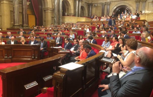 Cs, PSC, SíQueEsPot y PP rechazan firmar el Pacto por la reforma horaria