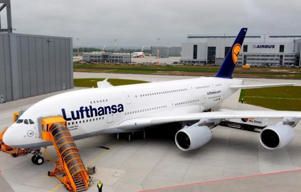 Se estrella avión de carga en aeropuerto de Arabia Saudí