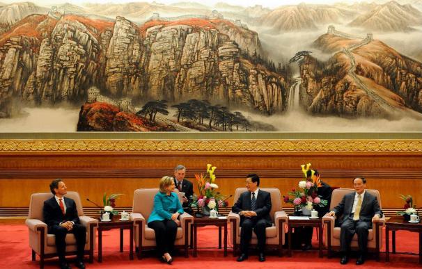 Clinton dice que los líderes chinos están muy preocupados por el conflicto coreano