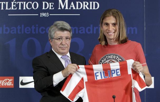 """Filipe Luis llega al Atlético """"con muchas ganas de triunfar en un club grande e histórico"""""""