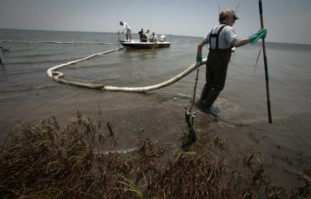 BP continuará inyectando fluidos para tapar la fuga del golfo de México