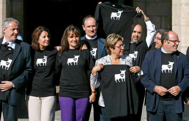 El PPC escenifica ante el Parlament su rechazo a la prohibición de los toros