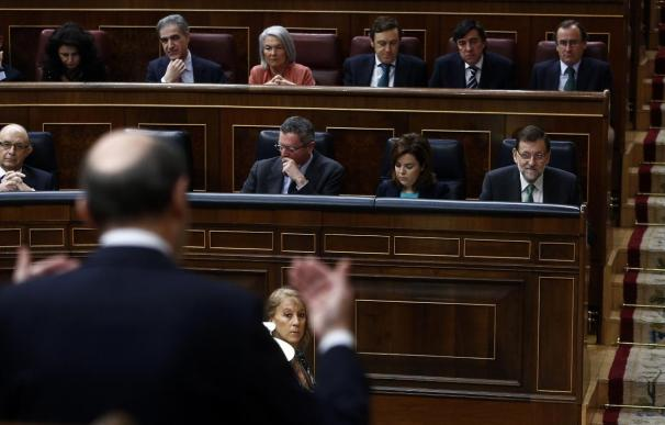 Rajoy dará explicaciones sobre la reforma fiscal a Rubalcaba en el Pleno del Congreso de hoy