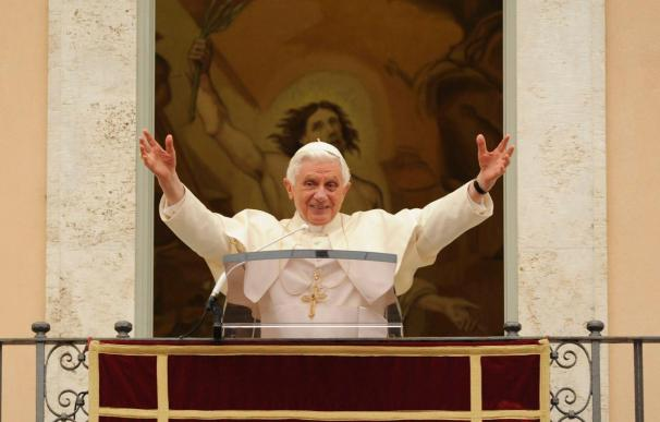 El Papa da amplios poderes a De Paolis y mantiene a los dirigentes de la Legión