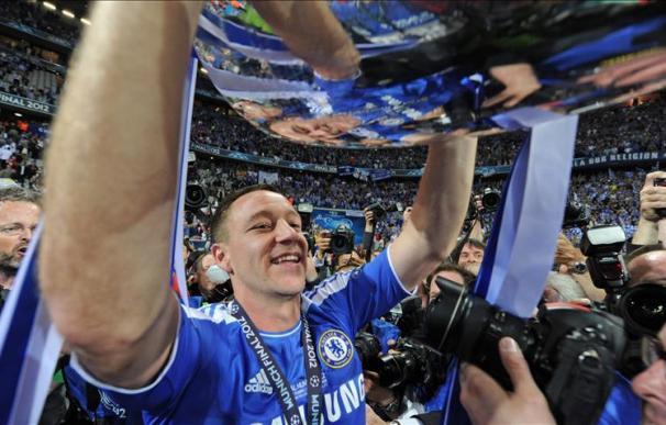 Terry, sancionado con tres partidos por su rodillazo a Alexis Sánchez