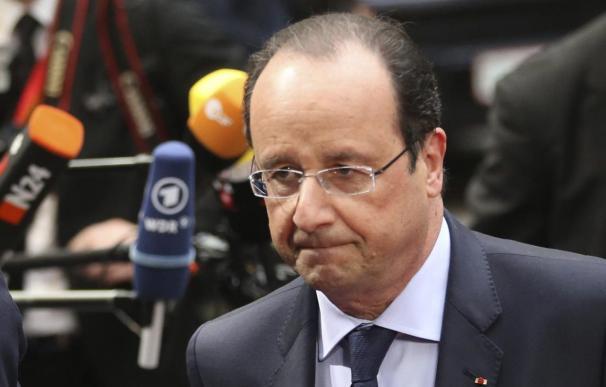 Hollande pide un Gobierno de unidad para Irak ante la ofensiva yihadista