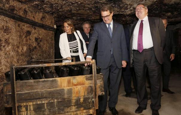 """Freixenet cumple 100 años reivindicando la """"estabilidad política"""" ante Mas"""
