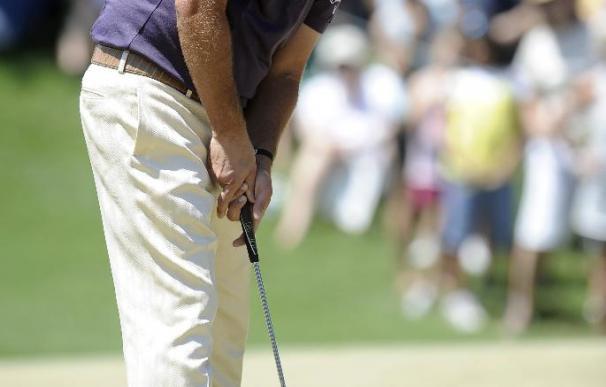 Mickelson ya está a menos de un punto de Tiger Woods