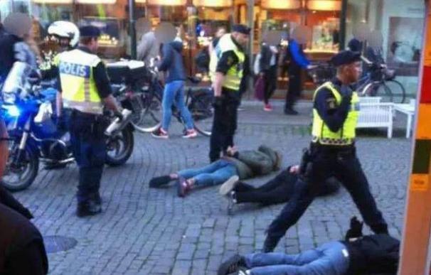Al menos un herido y 20 detenidos en una pelea entre ultras del Madrid y el Malmoe