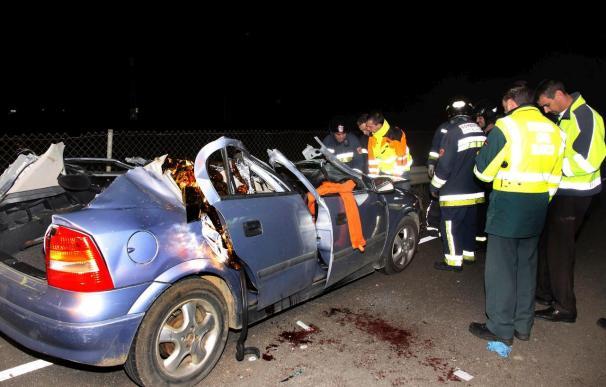 Muere un joven de 24 años al chocar su coche contra un árbol en Ibiza