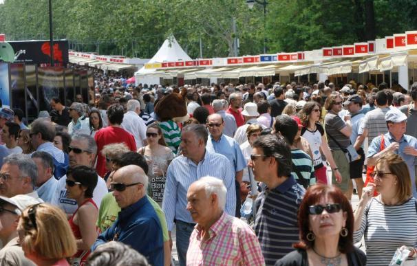 """Algunos libreros ven la Feria del Libro como su """"salvación"""" ante la crisis"""