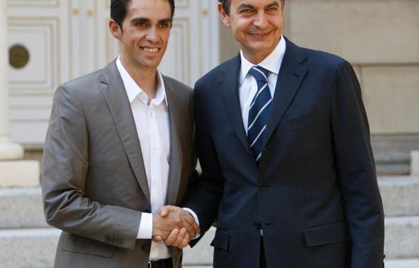 Zapatero recibe hoy a Contador en La Moncloa