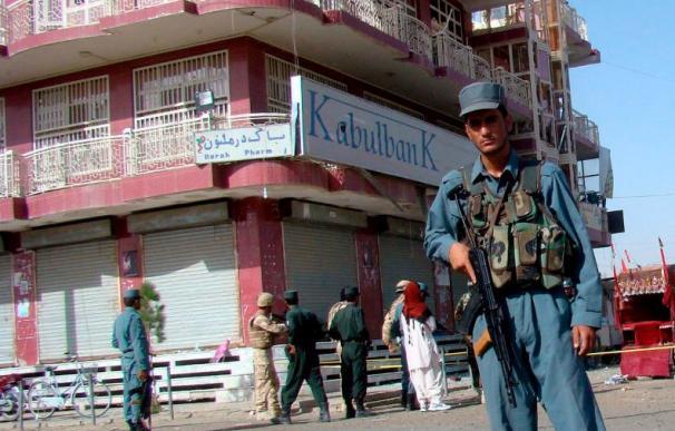 Karzai denuncia que un ataque con cohetes de ISAF mató a 52 civiles en Helmand