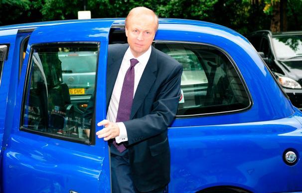 El consejero delegado de BP, Tony Hayward, dejará su cargo en octubre