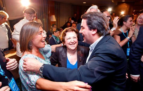 El PP arrebata al PSOE las Alcaldías de A Coruña, Santiago y Ferrol