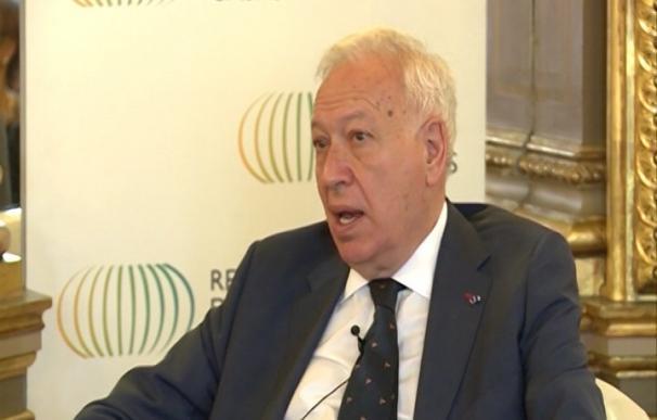 """Margallo critica la """"complacencia y sonrisa"""" de los gendarmes franceses ante el boicot a camioneros españoles"""