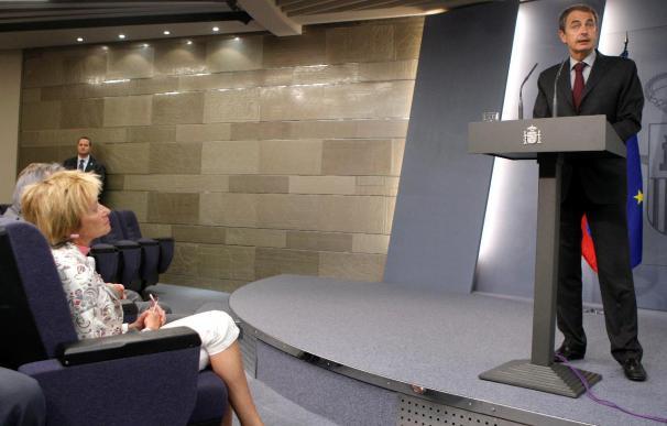 """Zapatero dice que los cooperantes """"están libres"""" y que llegan esta noche a Barcelona"""
