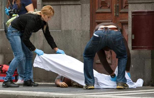 Un empleado muerto y cuatro bomberos heridos en un incendio en una oficina de Marsans