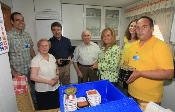 El Ayuntamiento ha entregado más de 500 comidas y cenas en dos meses de ayuda a domicilio