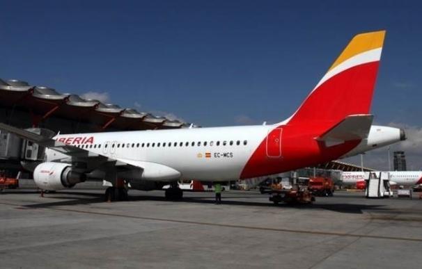 Iberia retira los test de embarazo a las aspirantes tras ser multada con 25.000 euros por discriminación