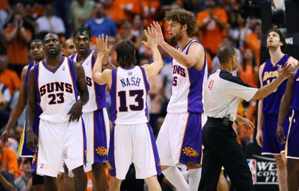 115-106. Los reservas de los Suns pudieron con las estrellas de los Lakers