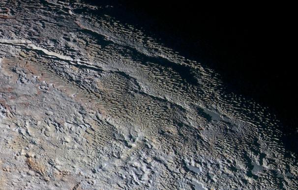 Las montañas de Plutón asombran a los geólogos