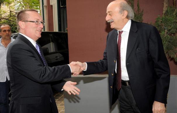 Feltman llega a Bengasi en la visita de mayor nivel de un dirigente de EEUU