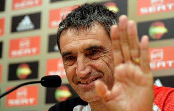 Antonio Alvarez renueva para dirigir al Sevilla la próxima temporada
