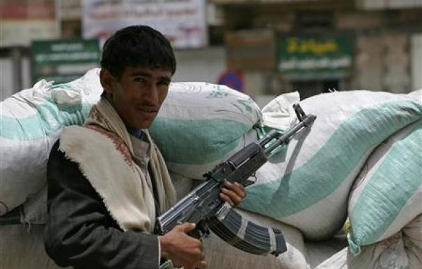 Yemen, al borde de la guerra civil mientras siguen las protestas