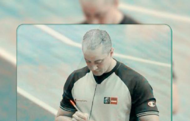 El árbitro de la FIBA Reynaldo Mercedes (Twitter)