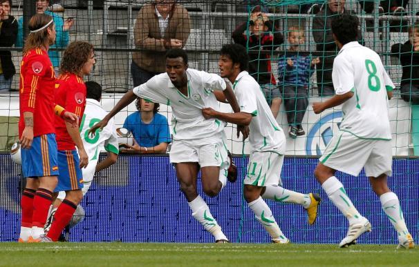 España ganó 3-2 a Arabia Saudí con un gol de Llorente en el minuto 92