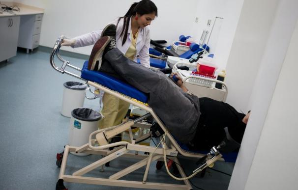 """Venezuela reconoce """"dificultades"""" en los hospitales en medio de quejas de los médicos"""
