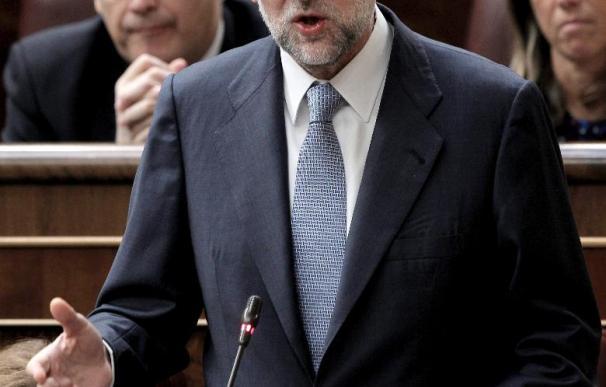 Los populares aclaman a Rajoy y el PSOE responde con otro aplauso a Zapatero