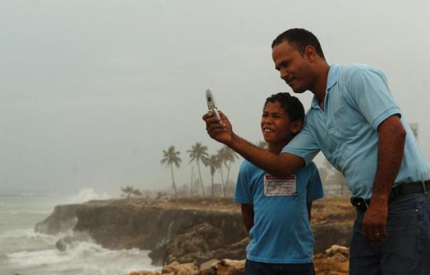 El 85,5 por ciento de padres se sienten más seguros si sus hijos tienen teléfono móvil