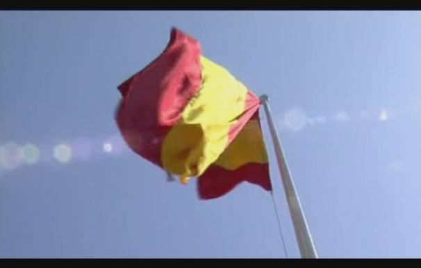 Homenaje a la bandera y los caídos en Málaga