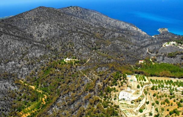 """Se da por """"estabilizado"""" el incendio de Ibiza y se espera pronto su control"""