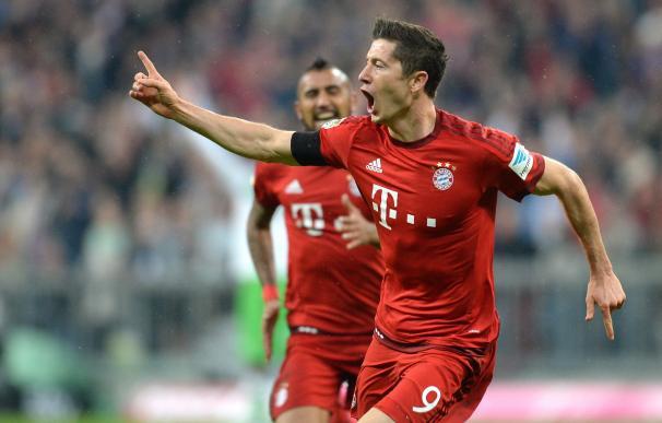Robert Lewandowski hizo historia ante el Wolfsburgo.