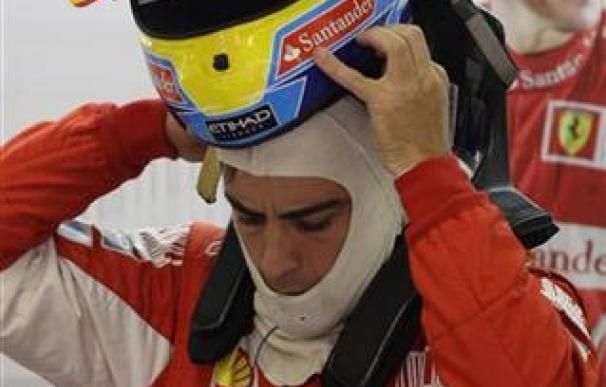 """Alonso califica de """"manipulada"""" la carrera de Valencia"""