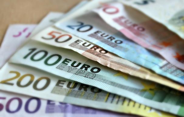 El Tesoro coloca 3.295 millones en letras y vuelve a ofrecer tipos negativos en el papel a 3 meses