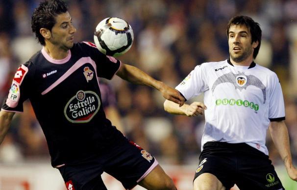 Los jugadores del Deportivo Riki y Pablo Álvarez siguen al margen del grupo