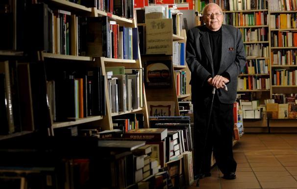 José Jiménez Lozano cumple ochenta años inmerso en plena actividad creativa