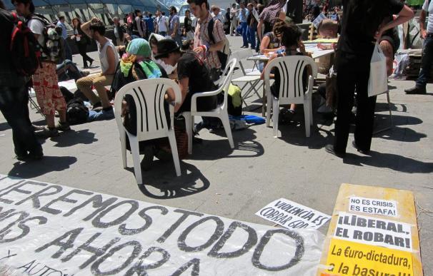 Convocantes piden por 'Twitter' que la concentración en Sol se haga de forma pacífica