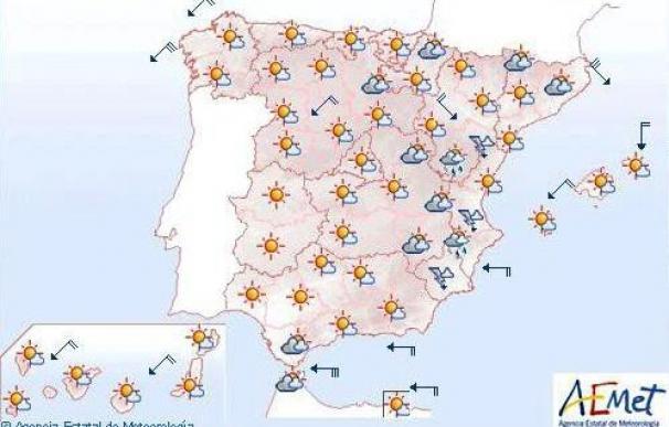 Mañana viento fuerte Ampurdán, Menorca y Estrecho y poco nuboso en el resto