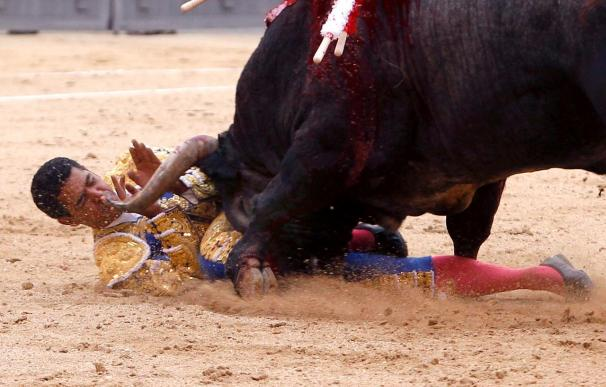 Garibay, herido, y Marín se escapa por los pelos, en una corrida sin opciones