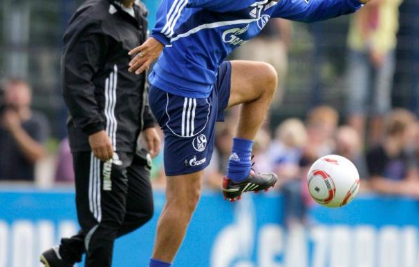 Raúl desata la expectación del torneo entre Schalke, Bayern, Hamburgo y Colonia