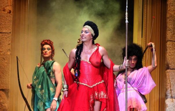 "La ""Lisístrata"" transexual de Savary se luce con un increíble Paco León"