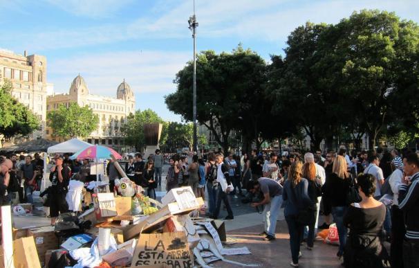 Las redes sociales parodian una acampada ficticia en la zona alta de Barcelona