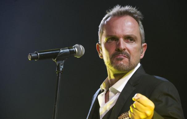 Miguel Bosé suspende su concierto por una afección de garganta en el Arenal de Burriana