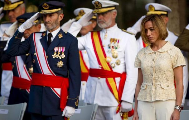 Chacón preside la jura de bandera en su primer acto tras renunciar a las primarias